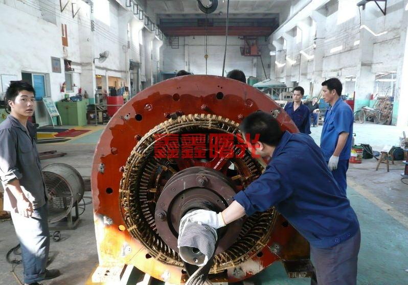 YR630-8开启式高压电机维修现场